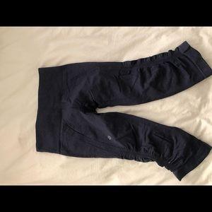 Lulu lemon cropped workout pants